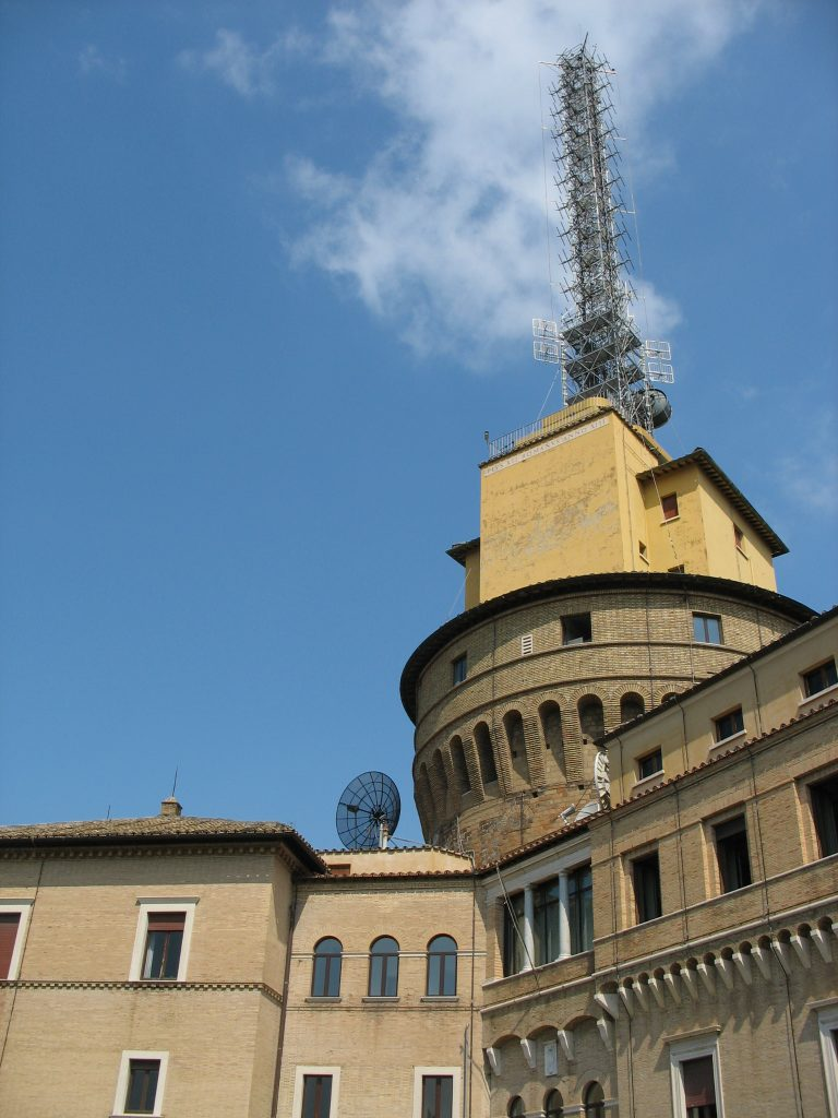 Sede de Radio Vaticano. Foto: wikimedia commons 2009.