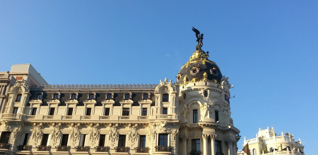 estética clásica en un edificio madrileño
